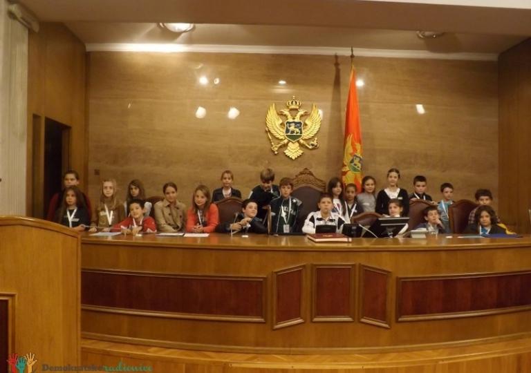 """Radionica 20 V-4 OŠ """"Maksim Gorki"""" Podgorica 1.11.2012."""