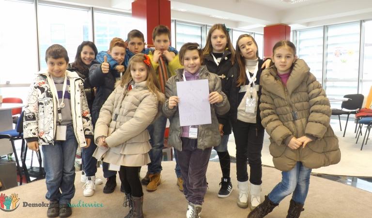 """Radionica 53 IV-5 OŠ """"Sutjeska"""" Podgorica 21.12.2012."""