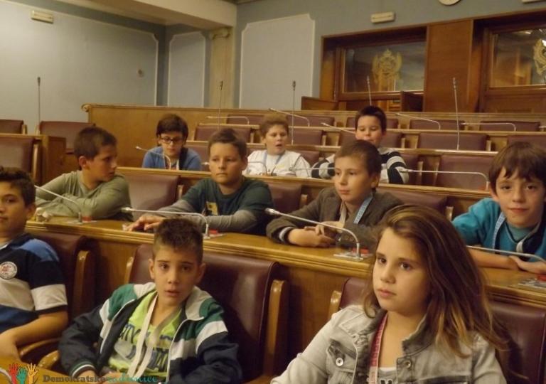 """Radionica 205 VI-1 OŠ """"Druga osnovna škola"""" Budva 25.10.2013."""