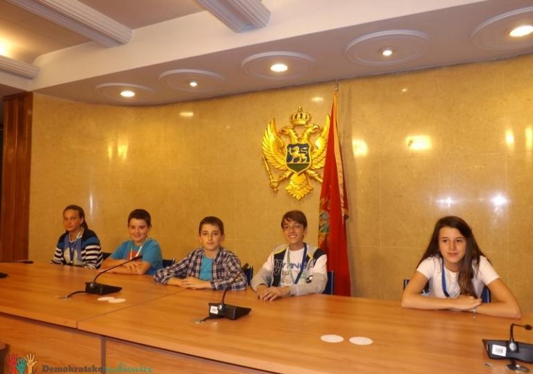 """Radionica 222 OŠ """"Milija Nikčević"""" Nikšić i OŠ """"Bernarda Bolzana"""" 7.11.2013."""