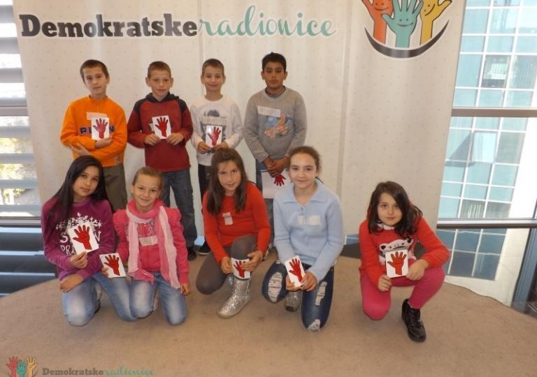 """Radionica 267 IV-V OŠ """"Radoje Čizmović"""" Nikšić 16.12.2013."""