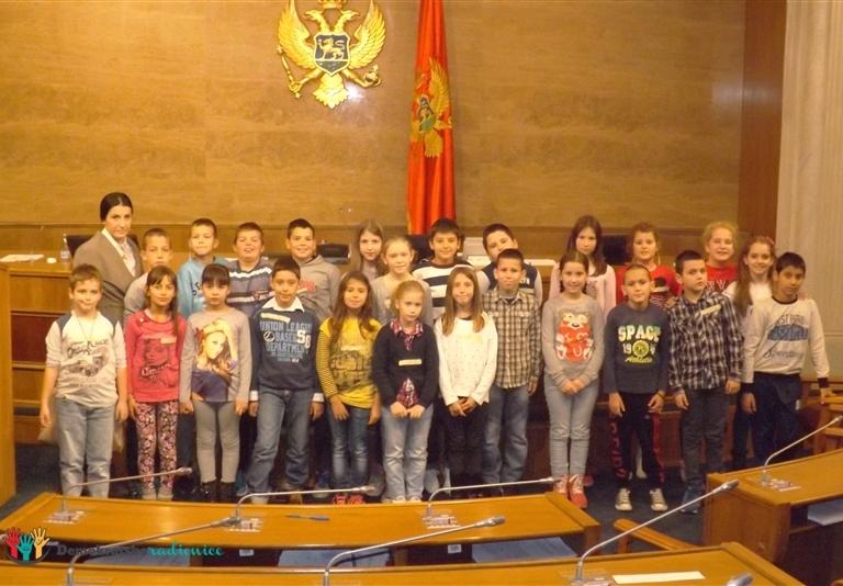 """Radionica 705 IV-2 OŠ """"Dr Dragiša Ivanović"""" Podgorica 2.12.2015."""